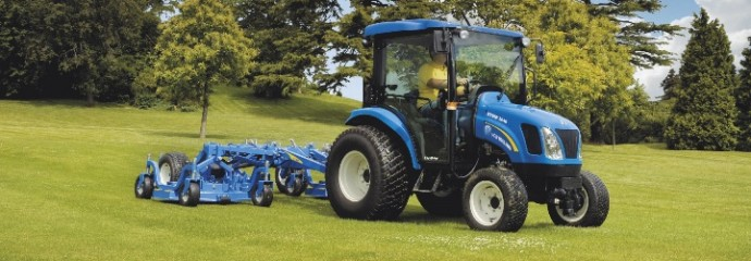 New Holland Boomer 3040 compact tractor