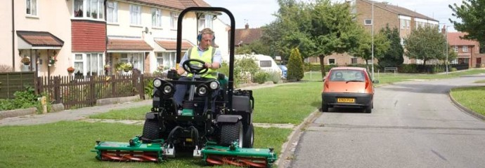 Ransomes Parkway 3 mower